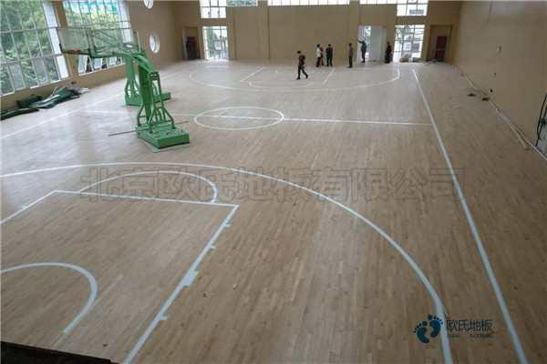 常见的篮球木地板怎么安装