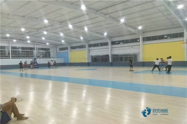 常见的体育馆木地板打磨翻新