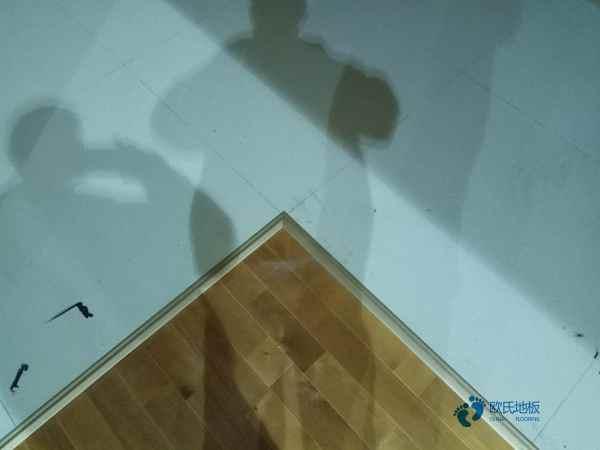 陕西枫木篮球场地板多少钱合适