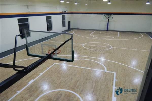 篮球场木地板罚球区如何画线