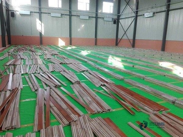 篮球木地板界线和中线如何画