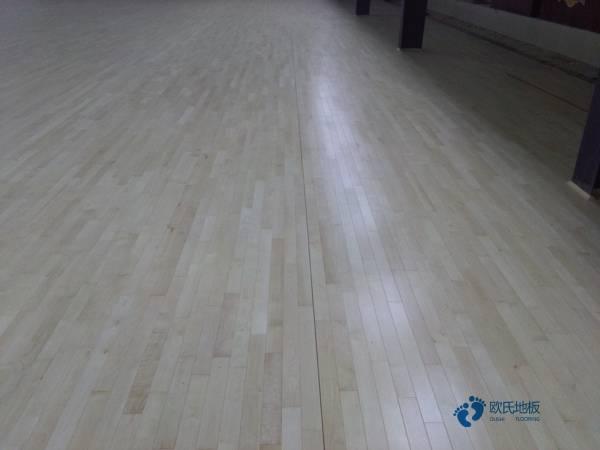 体育馆木地板面板和毛地板的标准是什么?