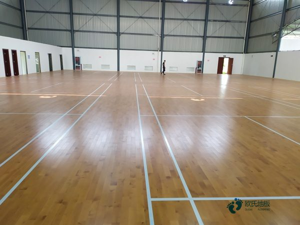 篮球场木地板调漆画线要专业