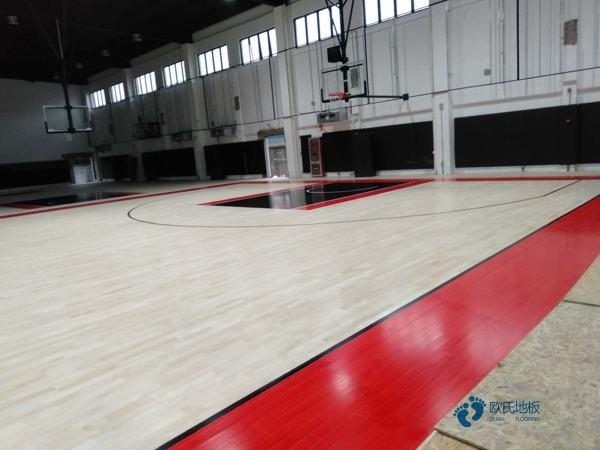体育木地板面板安装能看明白吗