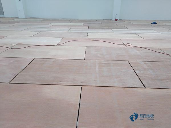 五角枫舞台实木地板施工技术方案