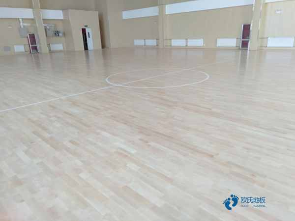篮球木地板起拱能预防吗