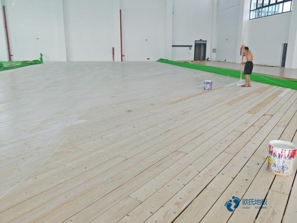 春寒季节如何养护体育木地板