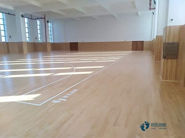 国内体育木地板多少钱