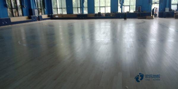 大型体育场馆木地板厂商