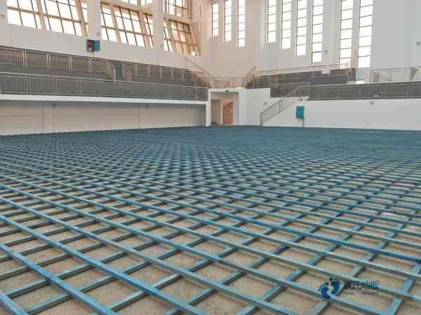 训练馆篮球地板图片