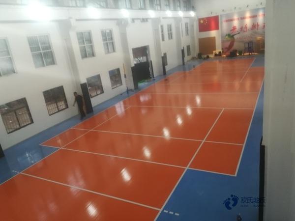 拼装体育馆木地板多少钱一平方