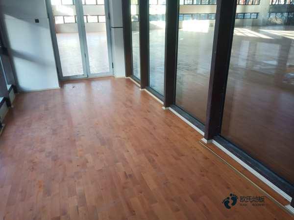20厚体育馆实木地板多少钱一平米?