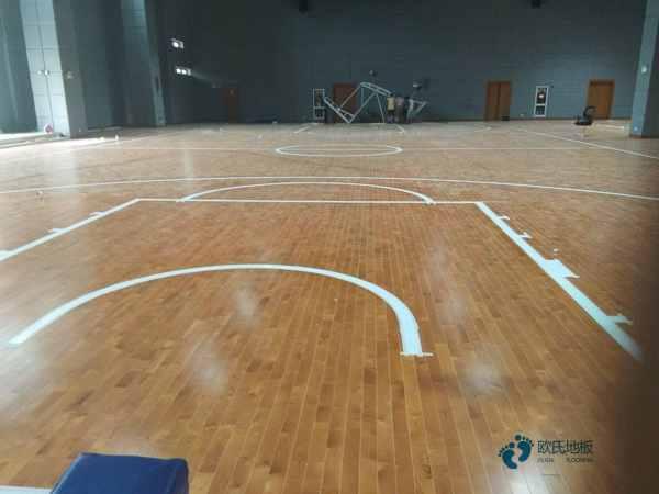 枫桦木篮球场地木地板主辅龙骨结构