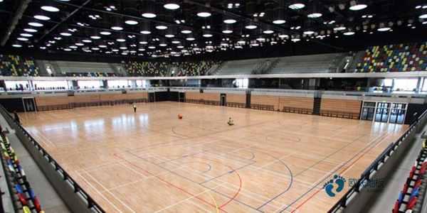 枫木体育场馆木地板施工方案