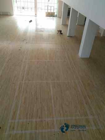 柞木体育运动地板一般多少钱?
