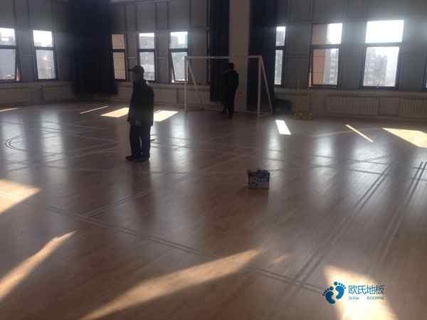 俄勒冈松木地板篮球馆造价