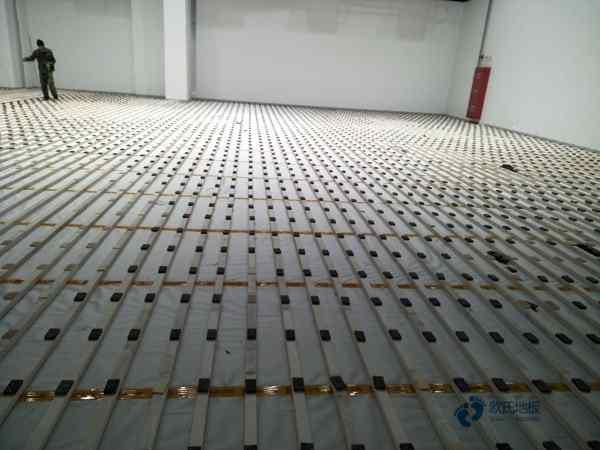弹性体育场木地板2