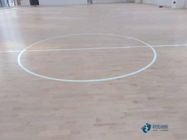 室内体育场地板安装公司
