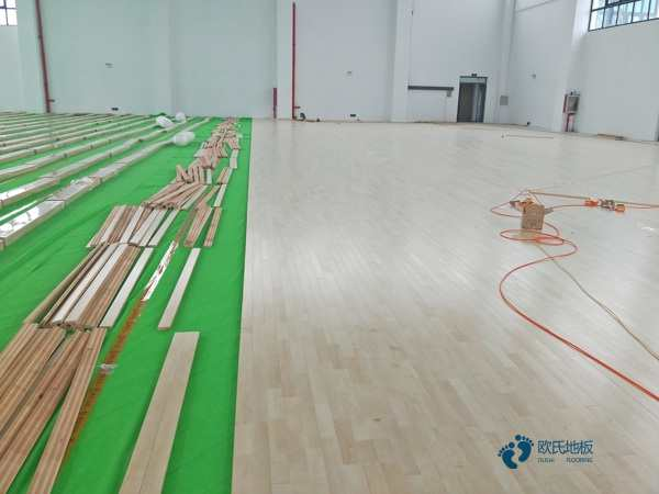 青海专用篮球场地板施工工艺