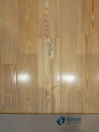 常用的篮球馆地板哪个好