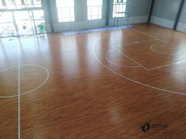 24厚体育木地板怎么翻新?