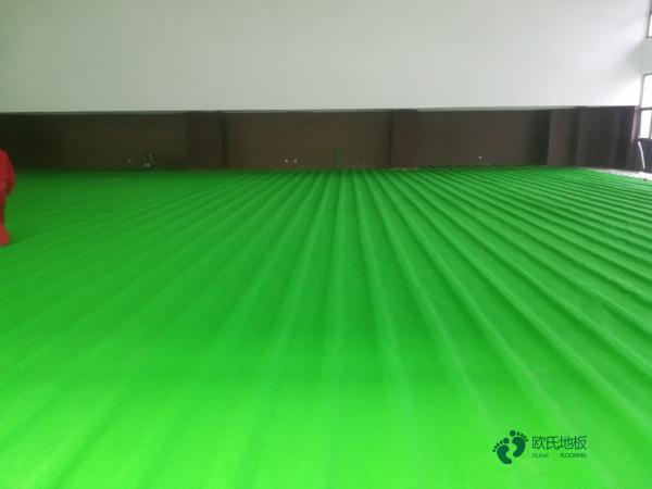 常用的体育地板哪个好