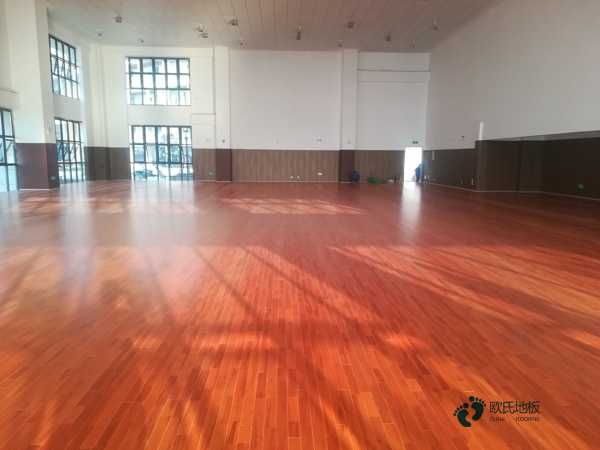 室内舞台木地板怎么安装