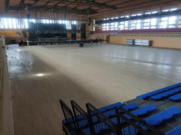 篮球场地木地板哪里好1