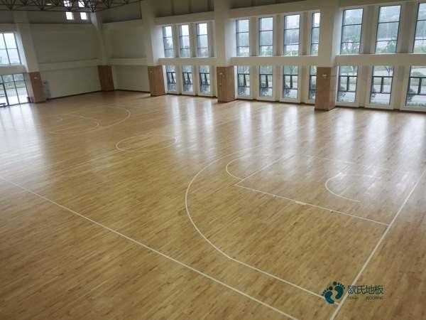 篮球场馆木地板价格一般多少钱一平方米1