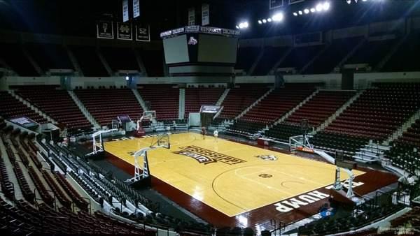 篮球场馆木地板价格一般多少钱一平方米3