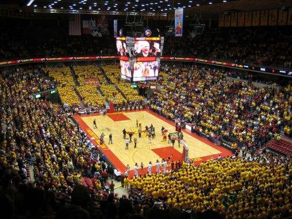 寻求篮球运动地板品牌哪个好