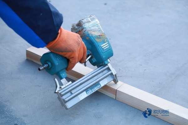 指接板舞台木地板安装工艺
