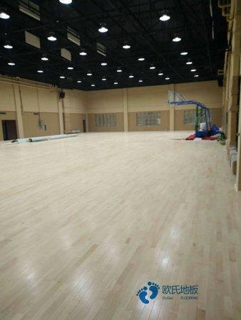 那有篮球运动木地板回弹值