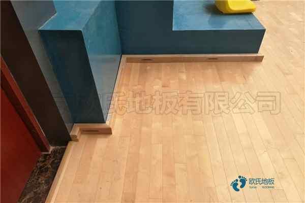 训练馆篮球木地板多少钱合适