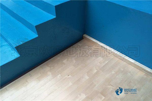 寻求运动型木地板生产公司