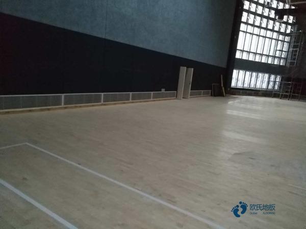 寻求运动篮球地板哪个牌子环保