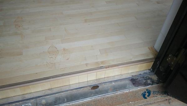 寻求运动馆木地板什么牌子好