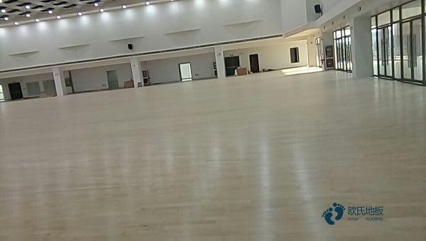 24厚运动体育地板批发**