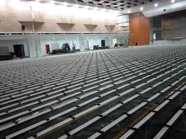 专用篮球馆地板怎么维修
