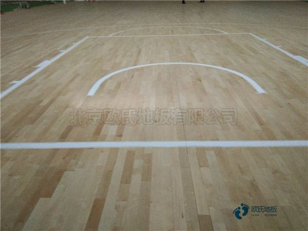 批发篮球体育地板厂家报价