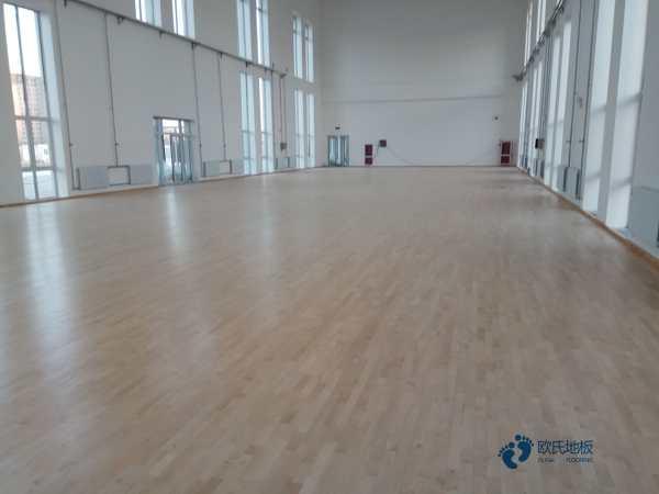 私人体育馆木地板厚度