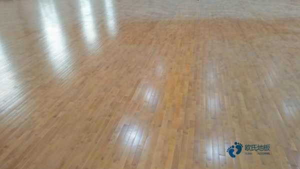 普通篮球场地木地板施工