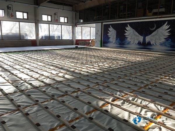 有什么运动体育木地板厂家报价