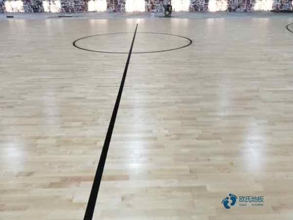 常见的篮球场地板防潮