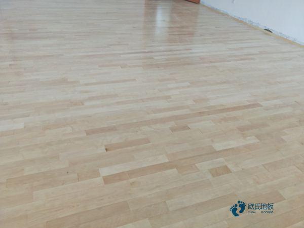 重庆枫桦木体育木地板翻新