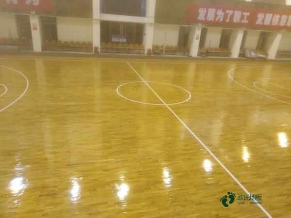 常见的运动实木地板打磨翻新