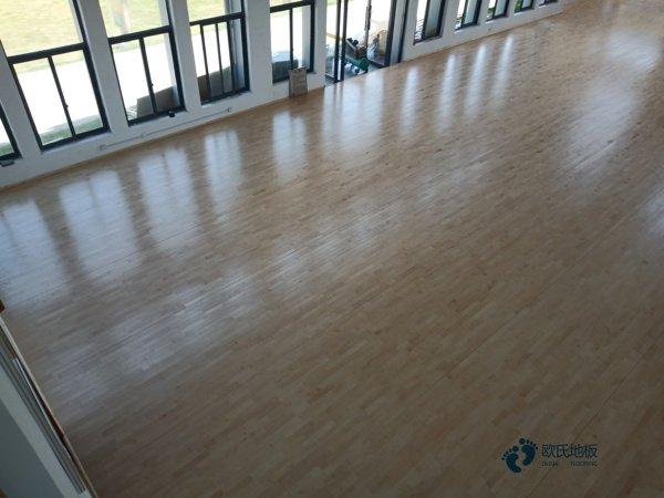 乌鲁木齐柞木体育木地板公司