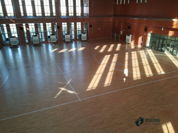 松木运动篮球木地板怎样保养