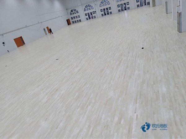 大型运动实木地板批发