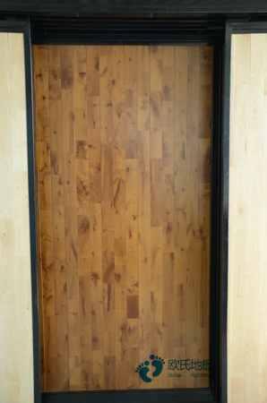 枫木体育地板安装公司